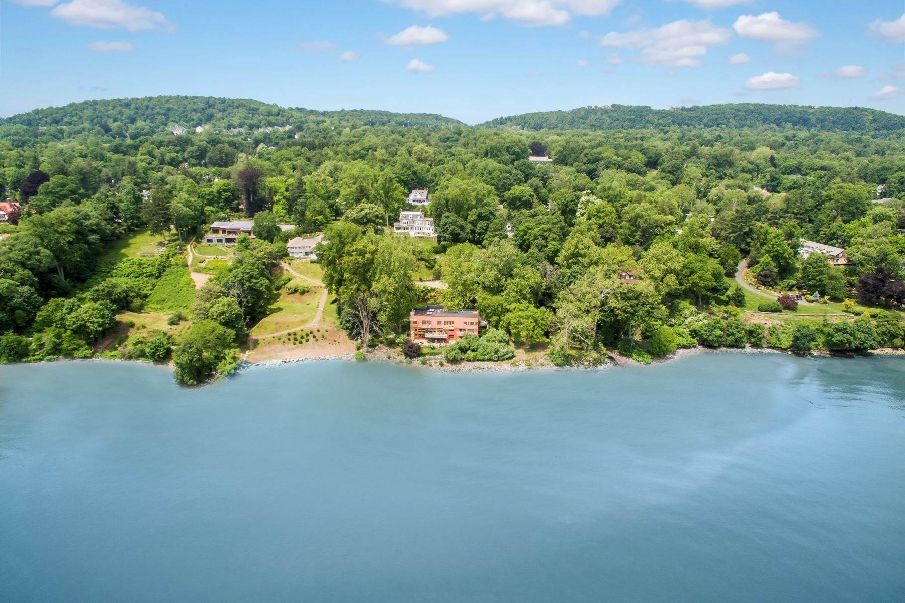 30. Single Family Homes for Sale at The Waterfall House 503 North Broadway Upper Nyack, New York 10960 United States