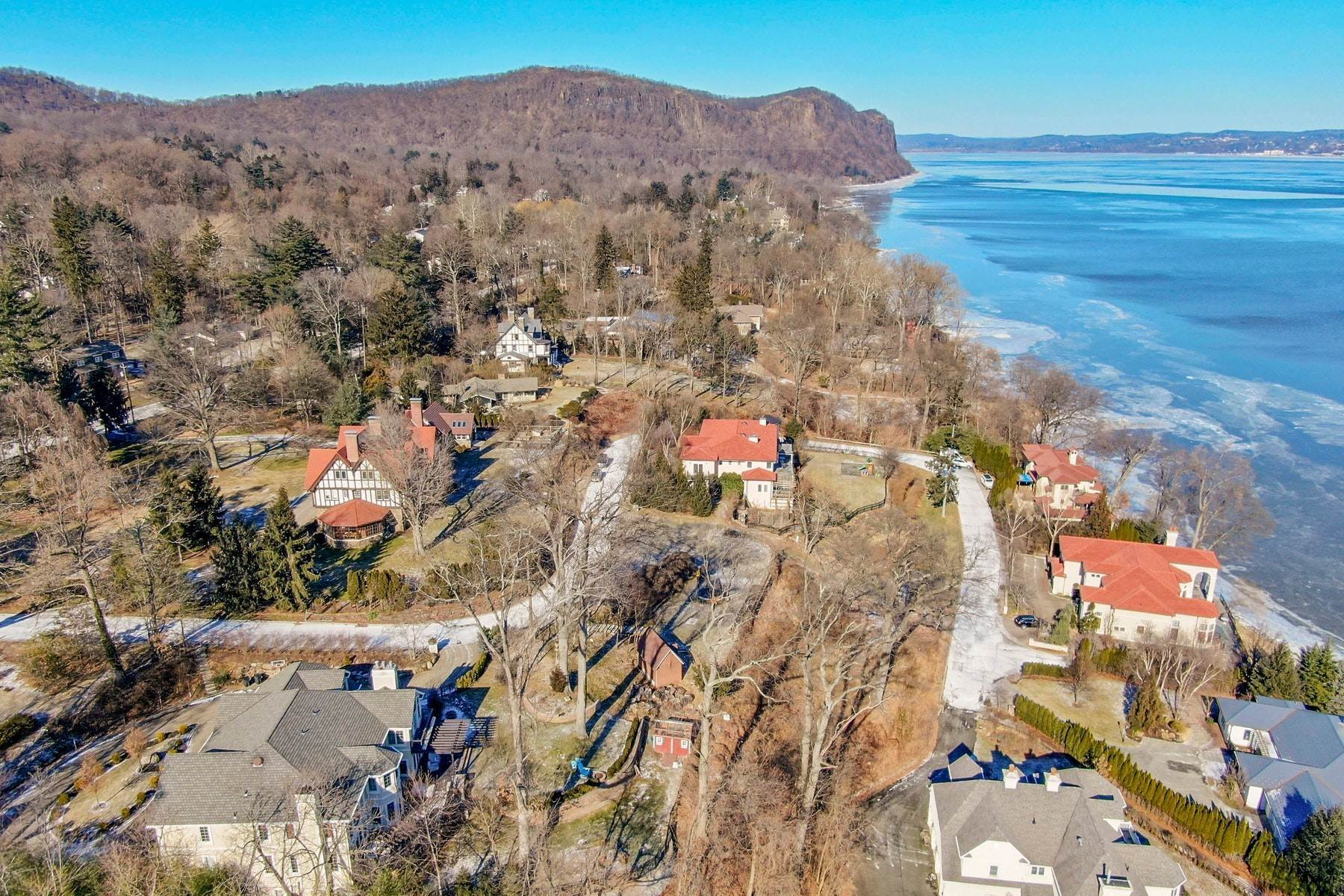 2. Single Family Homes for Sale at Custom Colonial with Hudson River Access 6 Tompkins Court Upper Nyack, New York 10960 United States