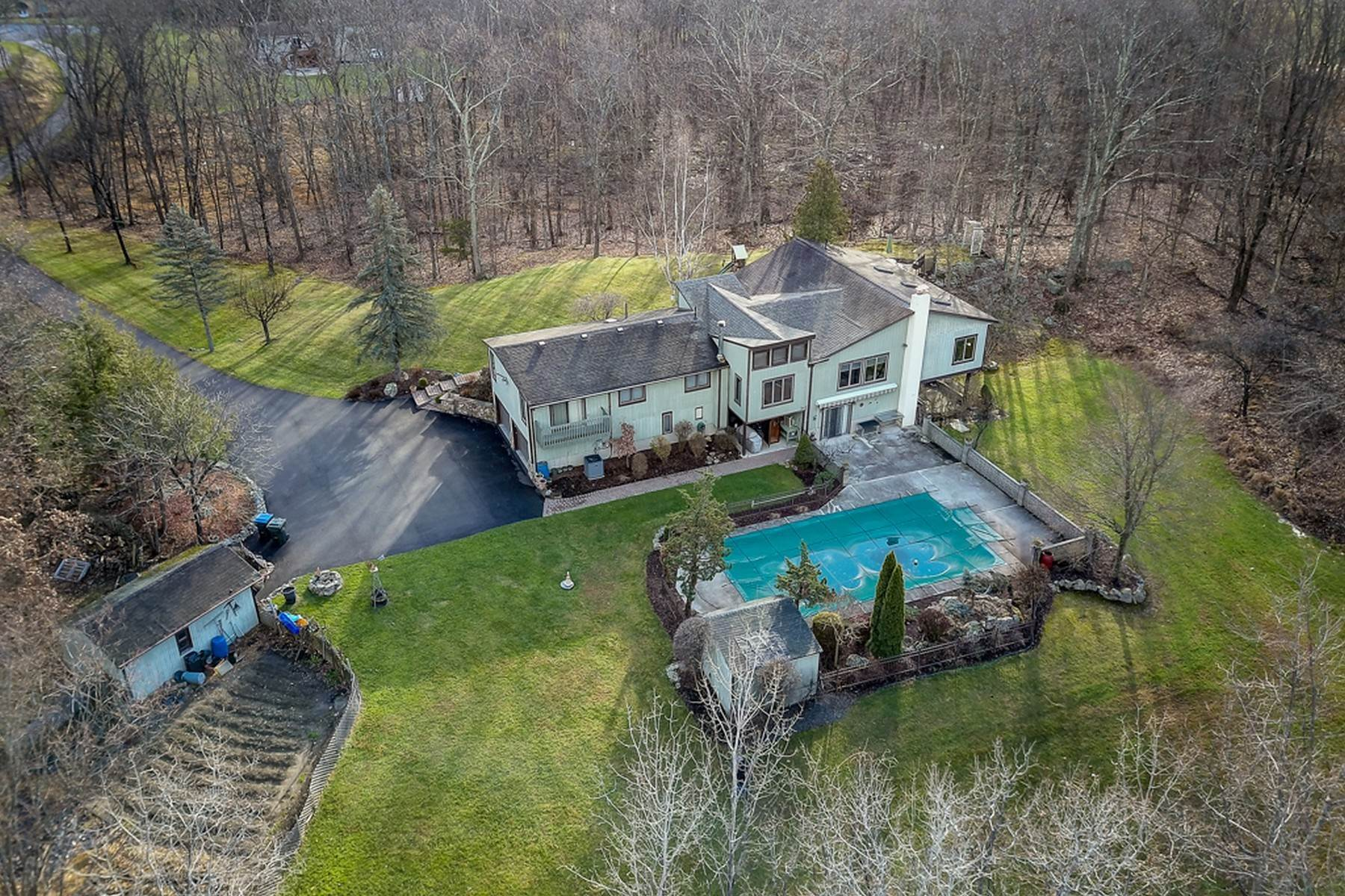 Single Family Homes for Sale at Exquisite Contemporary in Private 3.8 Acre Setting 117 Murray Drive Chester, New York 10918 United States