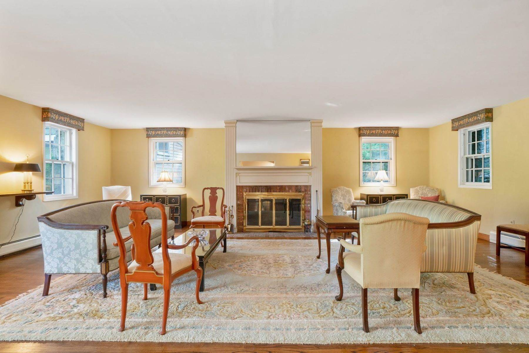3. Single Family Homes for Sale at Mortimer Carriage House 32 Lookout Road Tuxedo Park, New York 10987 United States