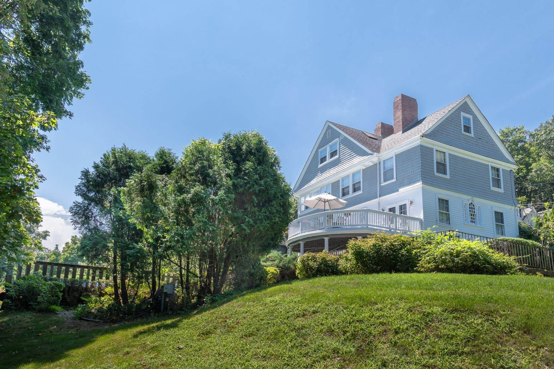 33. Single Family Homes for Sale at The Taylor House 230 Hudson Terrace Piermont, New York 10968 United States