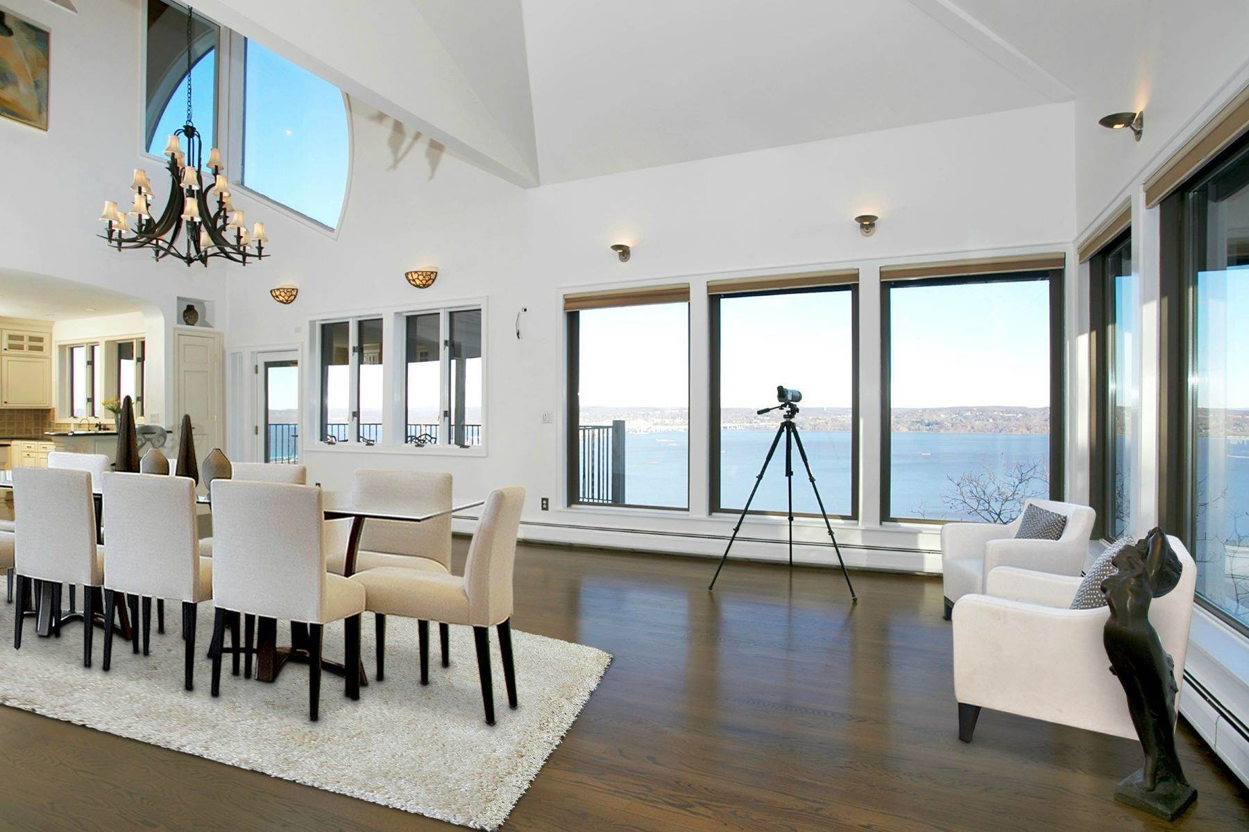 5. Single Family Homes for Sale at Mediterranean Style - Hudson River Views 119 Tweed Blvd. Upper Grandview, New York 10960 United States