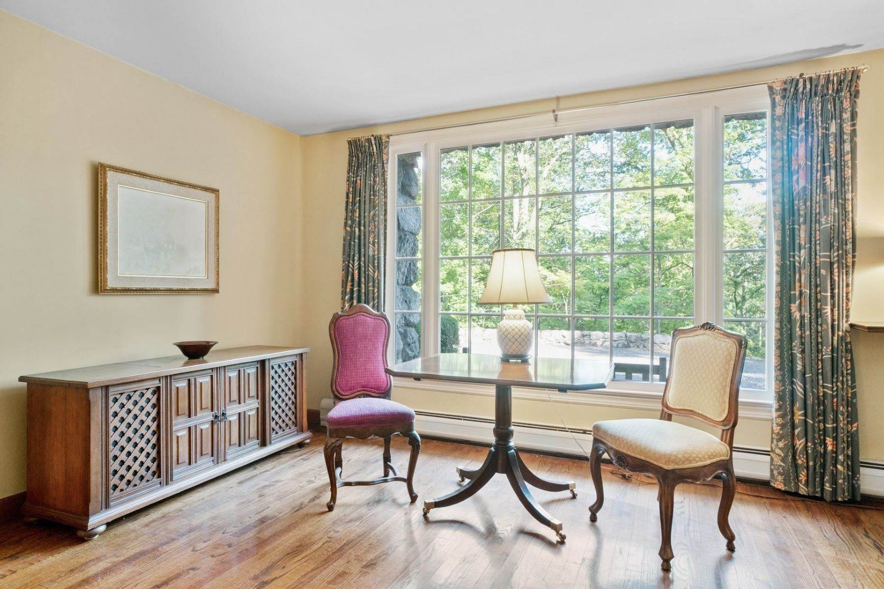 6. Single Family Homes for Sale at Mortimer Carriage House 32 Lookout Road Tuxedo Park, New York 10987 United States