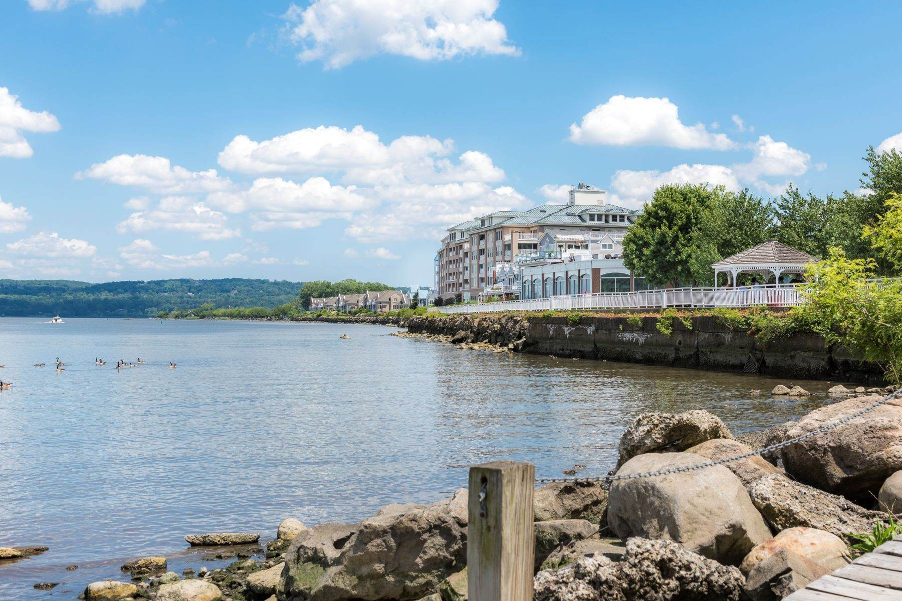21. Single Family Homes for Sale at Amazing Hudson River Views 303 River Road Grandview, New York 10960 United States