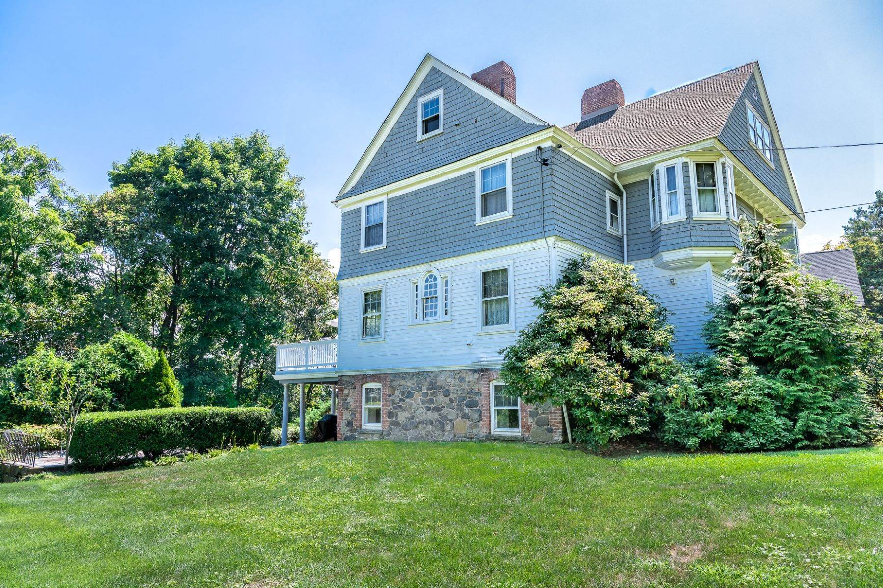 35. Single Family Homes for Sale at The Taylor House 230 Hudson Terrace Piermont, New York 10968 United States