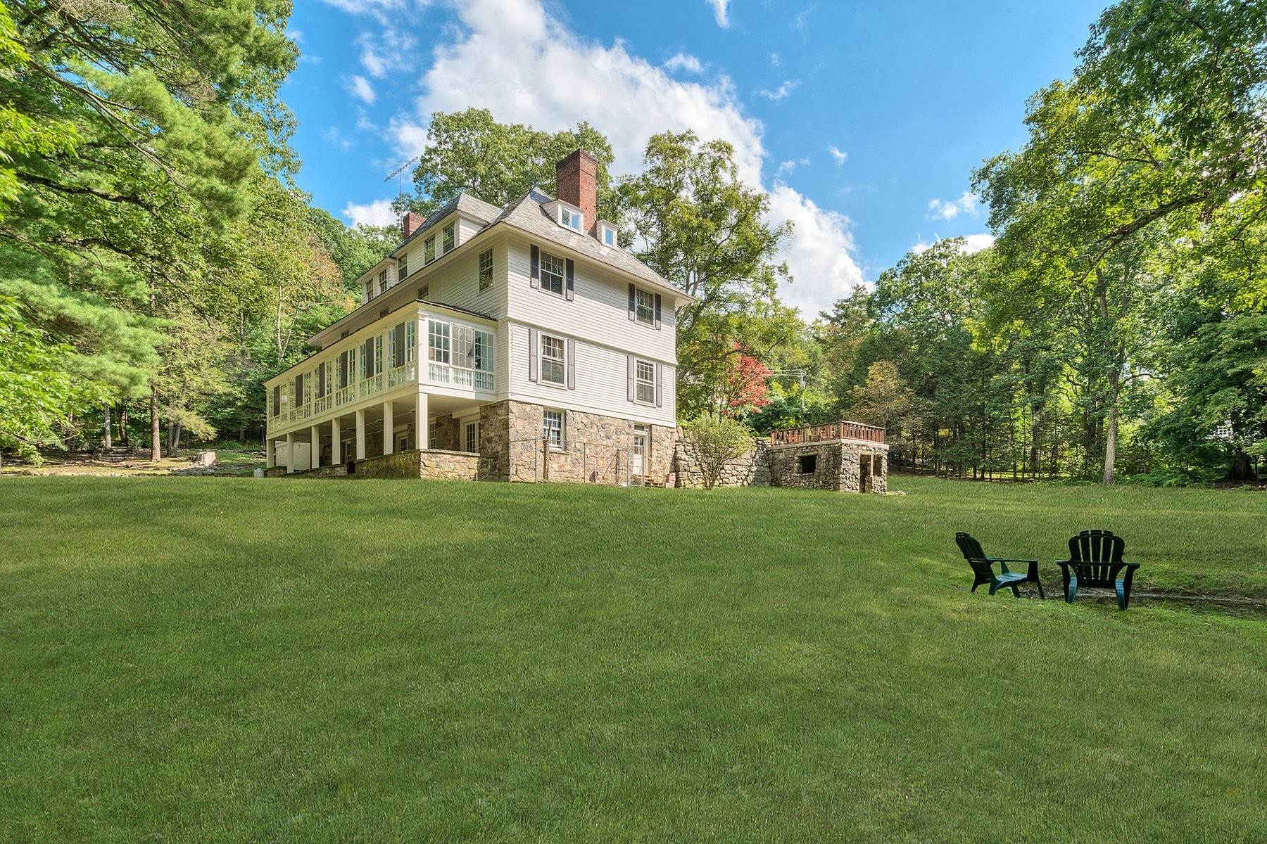 28. Single Family Homes for Sale at 'Horace Waldo Cottage' 160 Continental Road Tuxedo Park, New York 10987 United States