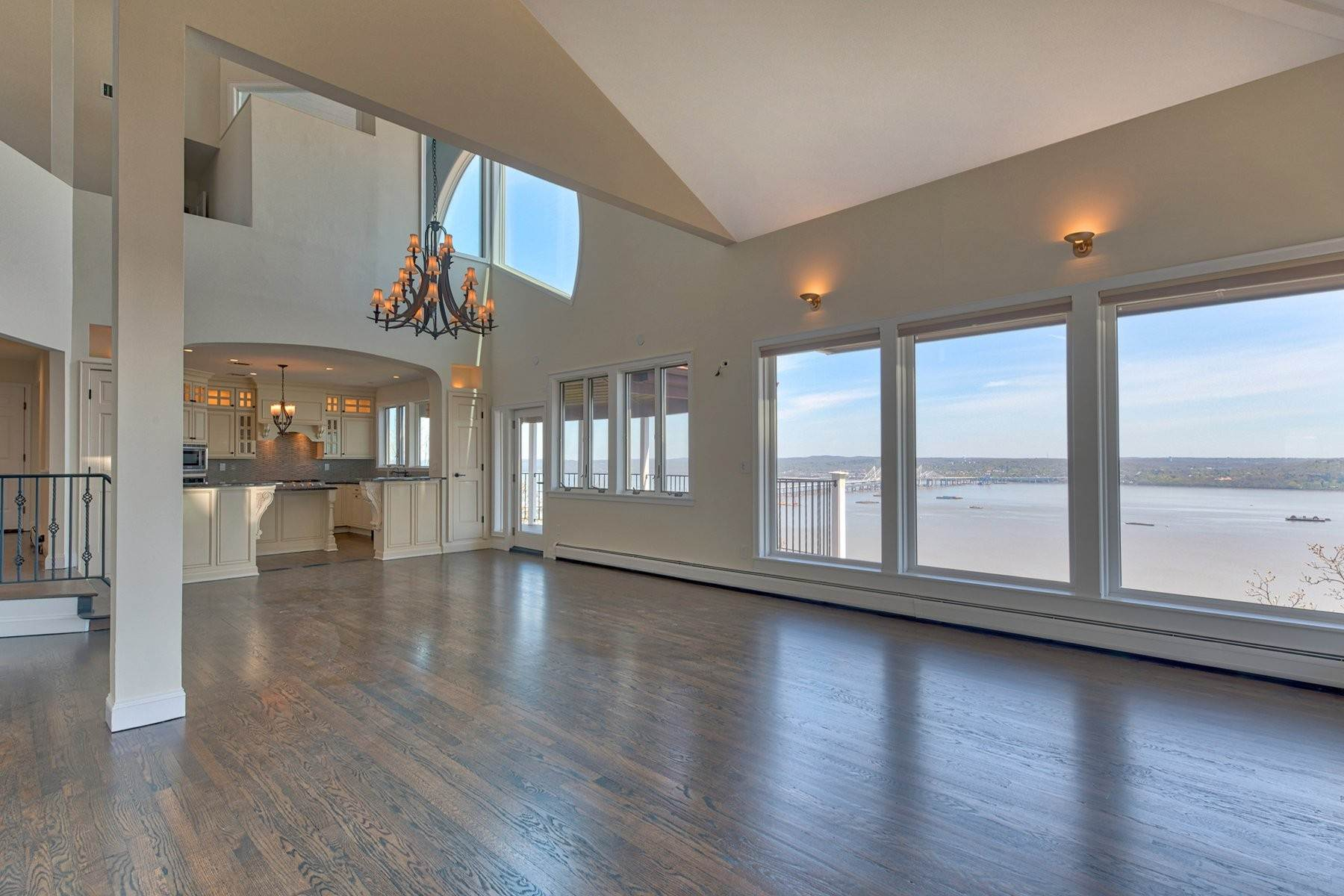 4. Single Family Homes for Sale at Mediterranean Style - Hudson River Views 119 Tweed Blvd. Upper Grandview, New York 10960 United States