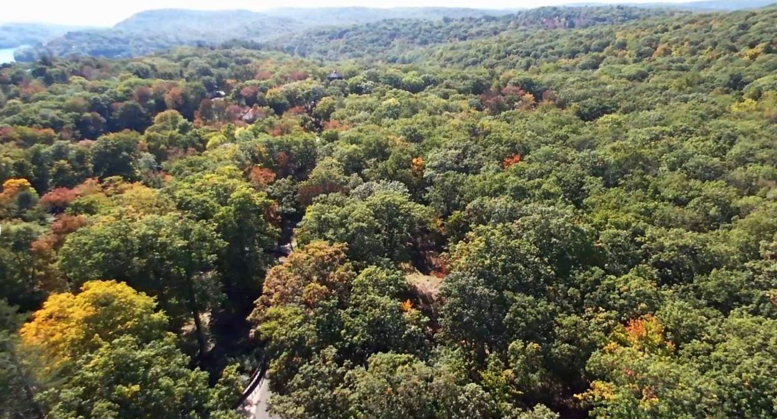 The land at Summit Road in Tuxedo Park is available for $980,000